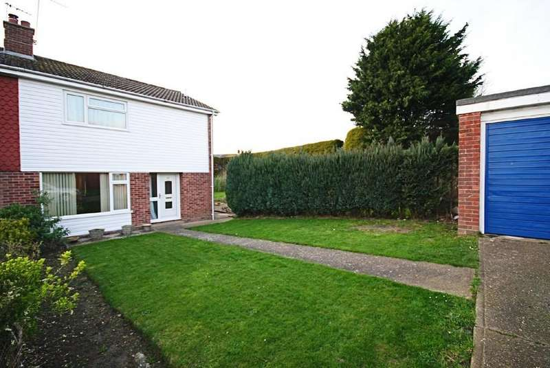 3 Bedrooms Semi Detached House for sale in Champneys Road, Diss
