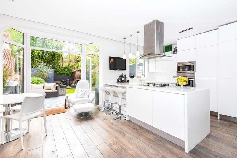 4 Bedrooms House for sale in West Park Avenue, Kew