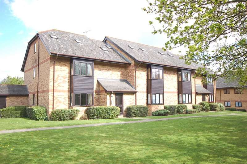 2 Bedrooms Flat for sale in Cavendish Gardens, Chelmsford
