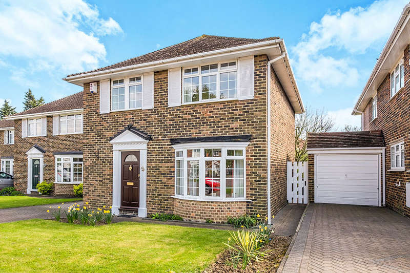 3 Bedrooms Detached House for sale in Willowbank Drive, High Halstow, Rochester, ME3