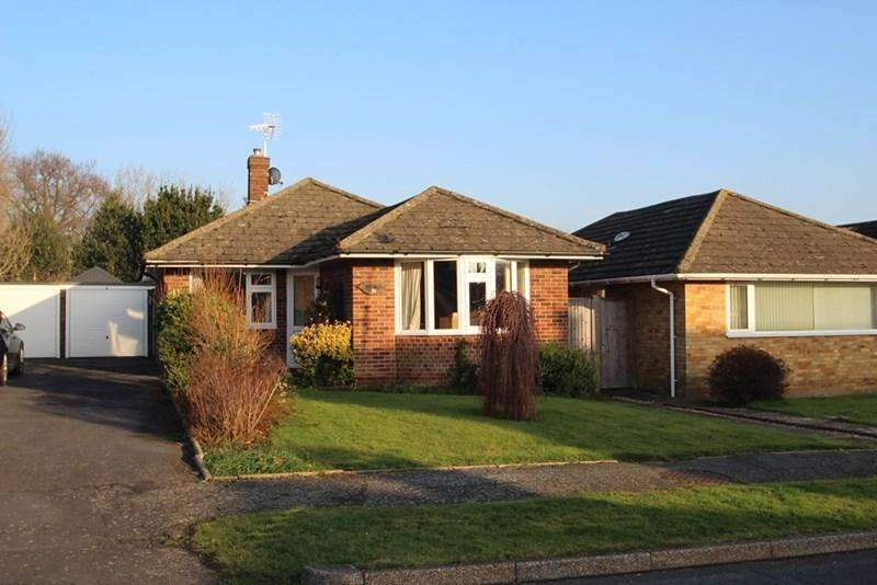 2 Bedrooms Detached Bungalow for sale in Keld Drive, Uckfield