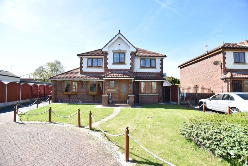 4 Bedrooms Detached House for sale in Roxburgh Road, Blackpool