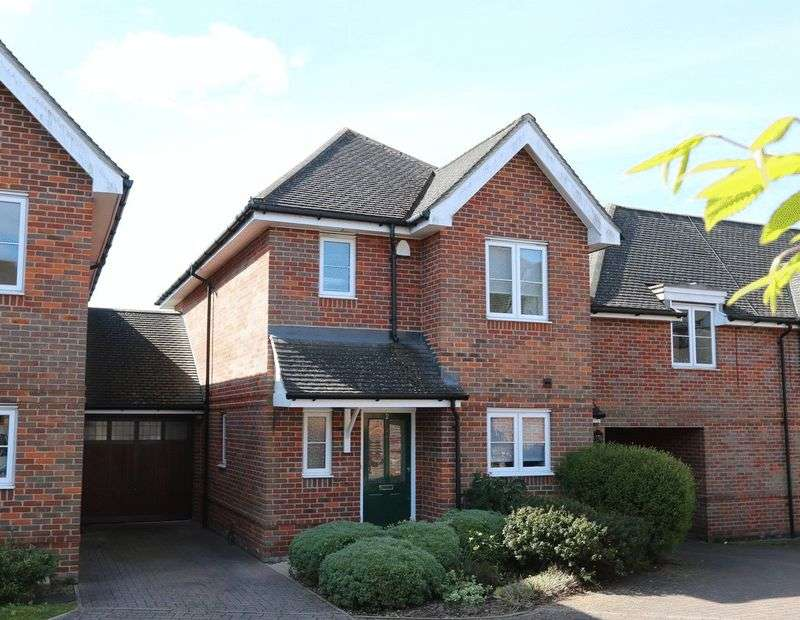 3 Bedrooms Detached House for sale in Showhome Condition in Cressex