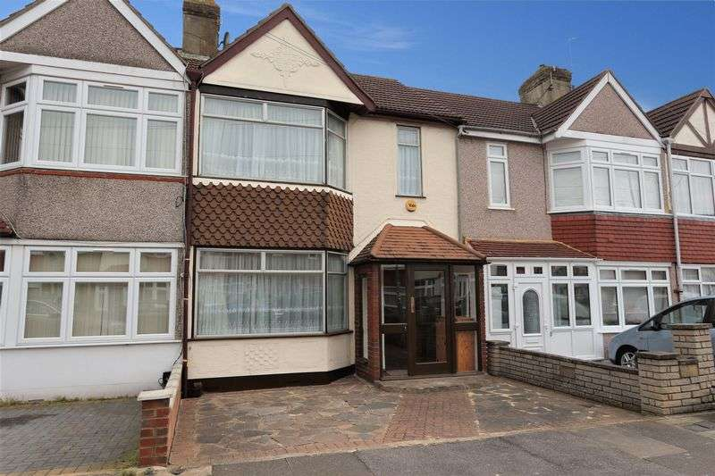 3 Bedrooms Terraced House for sale in Saltash Road, Ilford