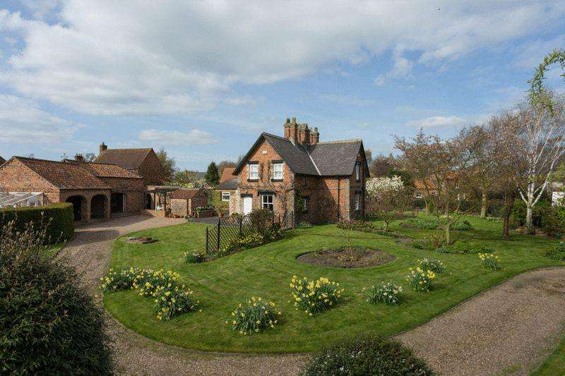4 Bedrooms Detached House for sale in Main Street, Wressle