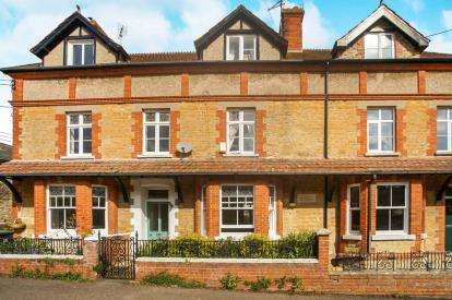 4 Bedrooms Terraced House for sale in Walditch, Bridport, .
