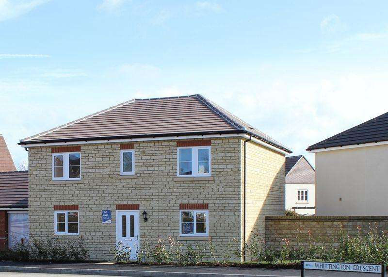 4 Bedrooms Detached House for sale in Whittington Crescent, Wantage