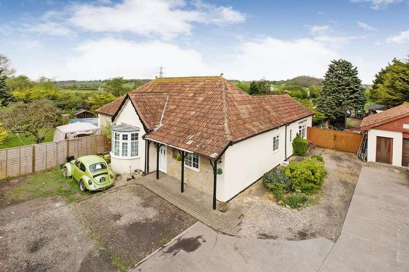 3 Bedrooms Detached Bungalow for sale in Bath Road, Bawdrip