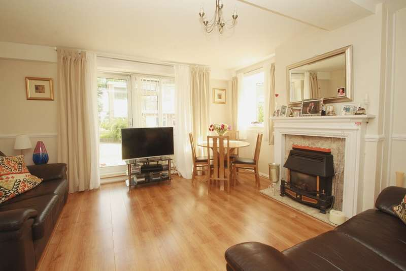 2 Bedrooms Ground Maisonette Flat for sale in Ellerslie Gardens, Willesden Junction, London NW10