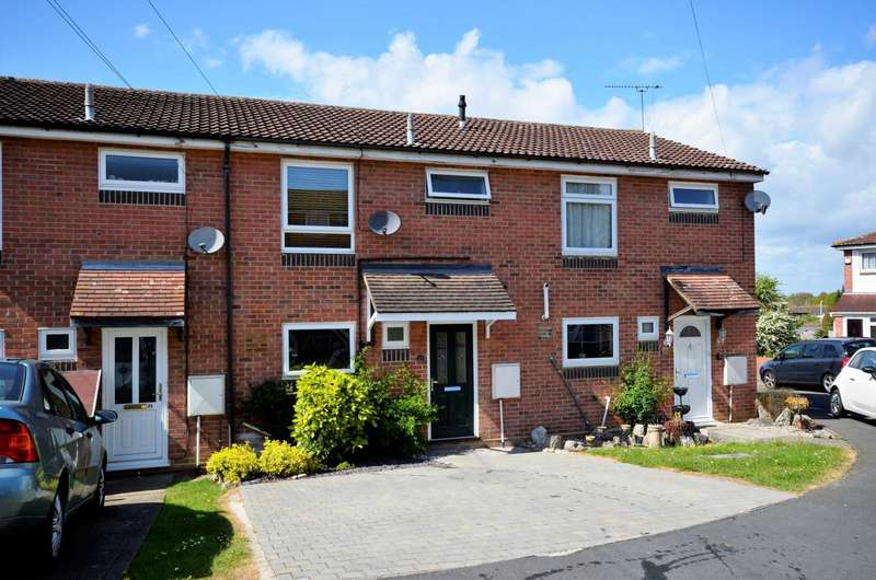 3 Bedrooms Semi Detached House for sale in The Foxgloves, Billericay