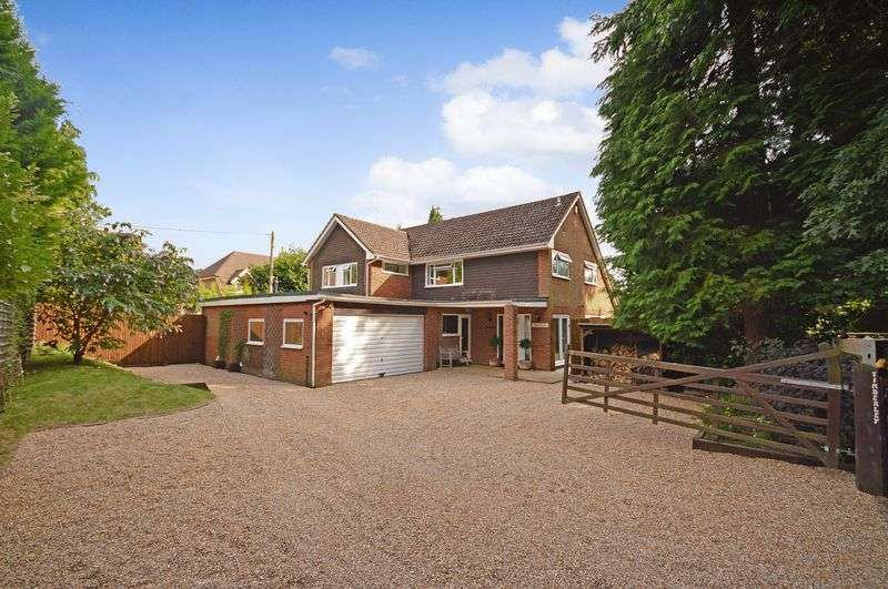 5 Bedrooms Detached House for sale in Grayshott Road, Headley Down