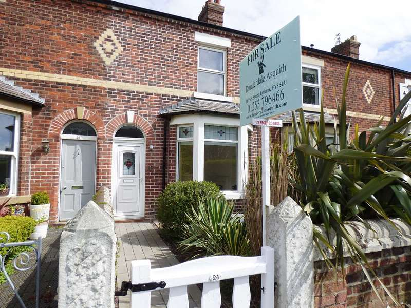 3 Bedrooms Terraced House for sale in Albert Street, Lytham