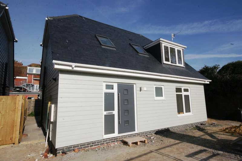 3 Bedrooms House for sale in The Martlets, Shoreham-By-Sea