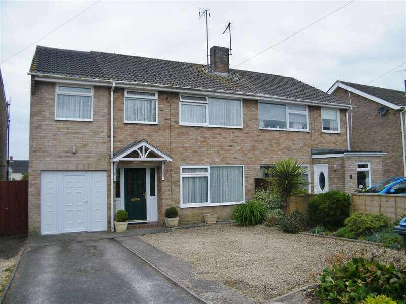 4 Bedrooms Property for sale in Woodhill Rise, Calne