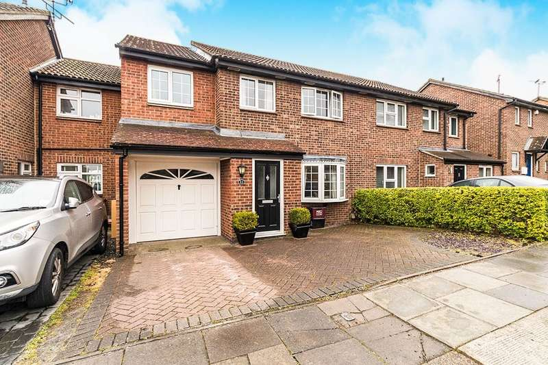 4 Bedrooms Semi Detached House for sale in Ashurst Close, Crayford, DA1