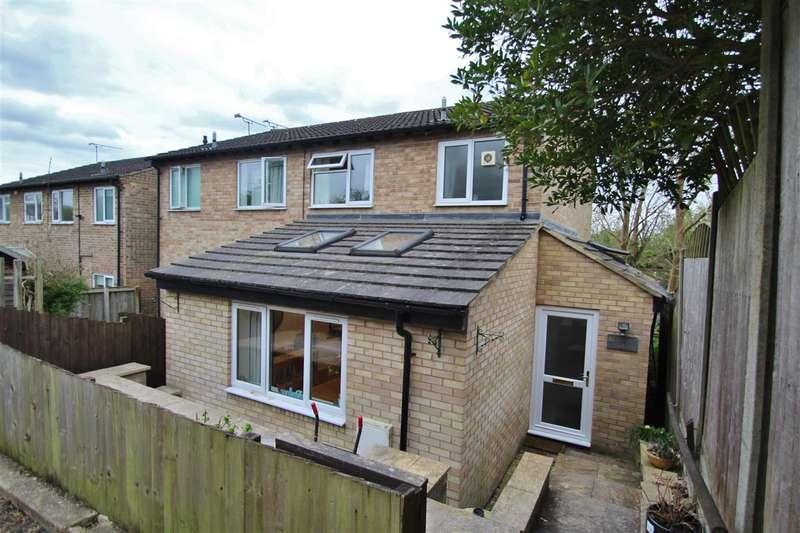 3 Bedrooms Semi Detached House for sale in Montabaur Road, Brackley