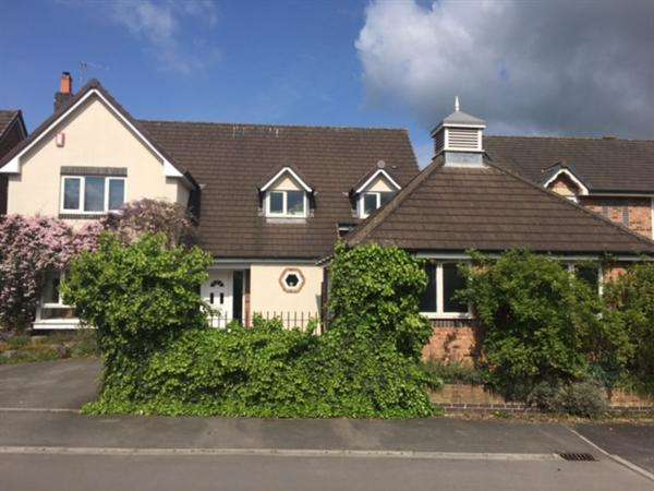 5 Bedrooms Detached House for sale in Warner Close, Cleeve, Near Bristol