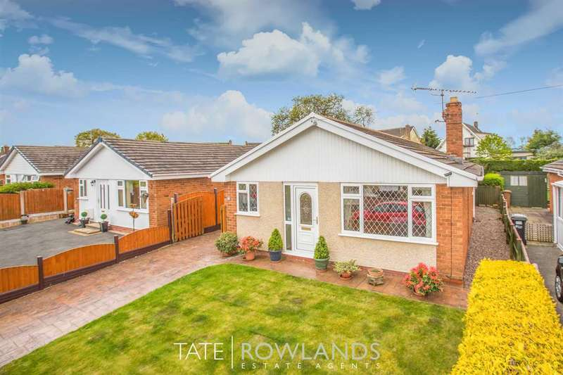 3 Bedrooms Bungalow for sale in Halkyn View, Connahs Quay
