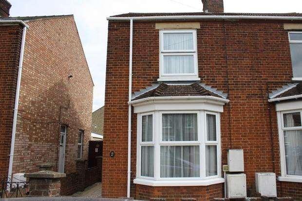 3 Bedrooms Semi Detached House for sale in Regent Avenue, March, PE15
