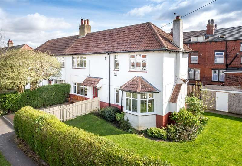 3 Bedrooms Semi Detached House for sale in Nunroyd Avenue, Leeds, West Yorkshire, LS17