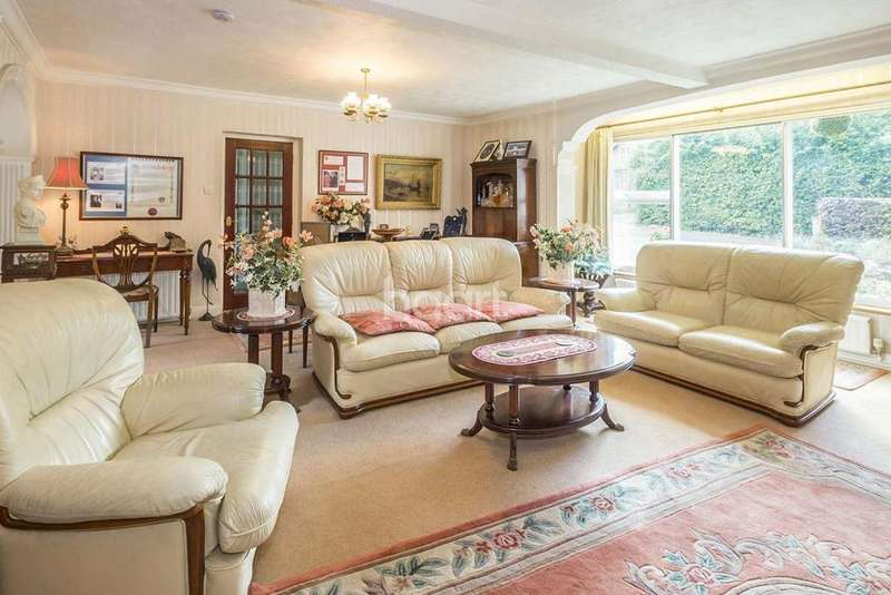 6 Bedrooms Detached House for sale in Hatfield