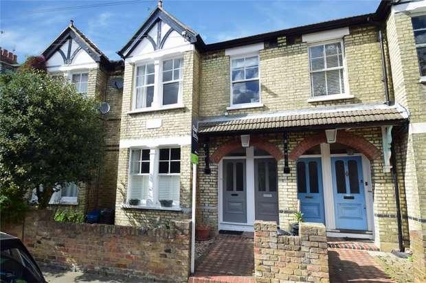 2 Bedrooms Maisonette Flat for sale in Kenley Road, St Margarets, Twickenham