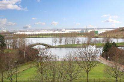 2 Bedrooms Flat for sale in Lakeside Boulevard, Lakeside, Doncaster