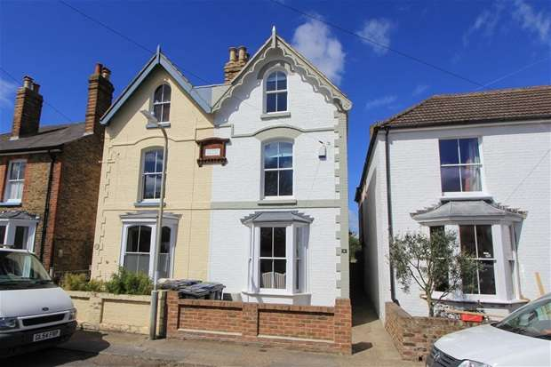 3 Bedrooms Semi Detached House for sale in Clifton Road, Whitstable