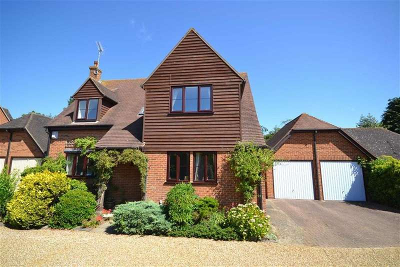 4 Bedrooms Detached House for sale in Croxon Way, Burnham-on-Crouch, Essex