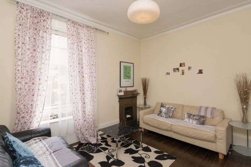 1 Bedroom Flat for sale in 110/7 Gorgie Road, Gorgie, Edinburgh, EH11 2NP