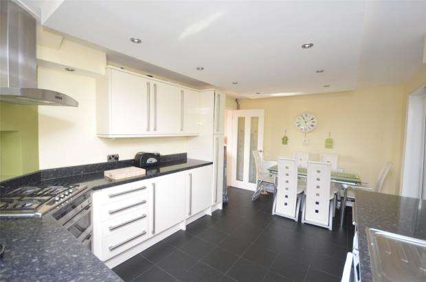 3 Bedrooms Semi Detached House for sale in Barley Farm Road, Exeter, Devon