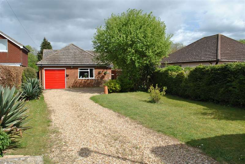 3 Bedrooms Bungalow for sale in Barrington Road, Foxton, Cambridge