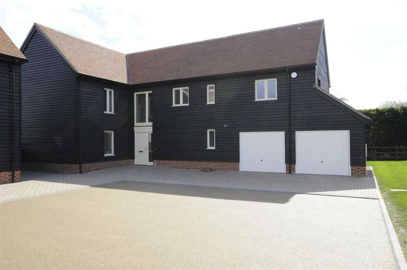 4 Bedrooms Detached House for sale in The Grain Barn, Wycke Court, Wycke Hill, Maldon