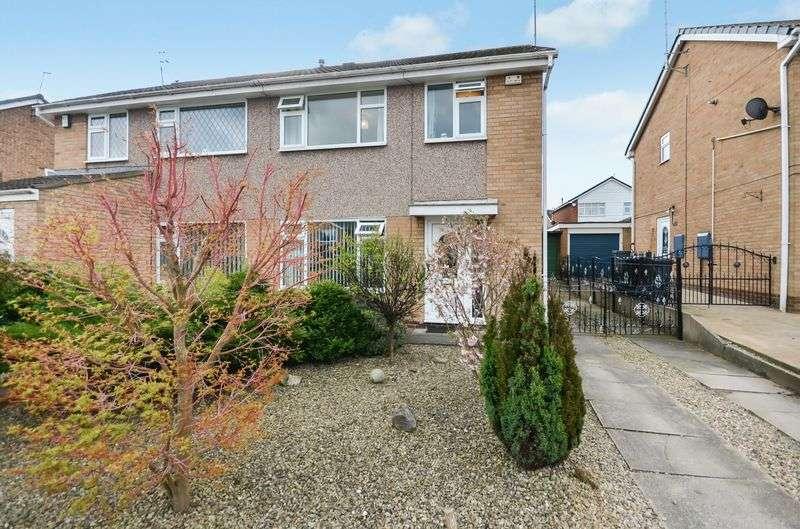 3 Bedrooms Semi Detached House for sale in 39 Elmete Avenue, Sherburn In Elmet, Leeds, LS25 6EH