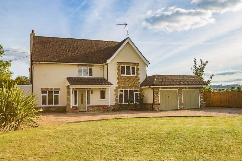 5 Bedrooms Detached House for sale in Old Ferry Drive, Wraysbury, TW19