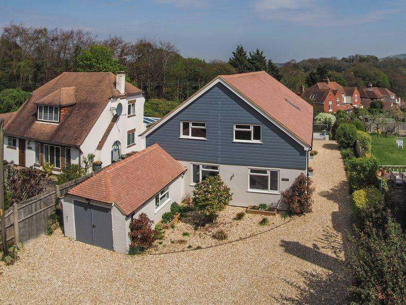 4 Bedrooms Detached House for sale in Maudlin Lane, Steyning