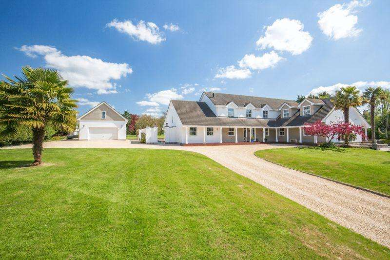 5 Bedrooms Detached House for sale in WEST PENNARD - Between Glastonbury and Castle Cary