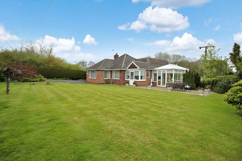 3 Bedrooms Detached Bungalow for sale in Brook Street, Norwich