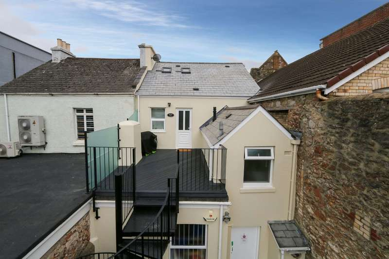 2 Bedrooms Flat for sale in Market Square, Newton Abbot