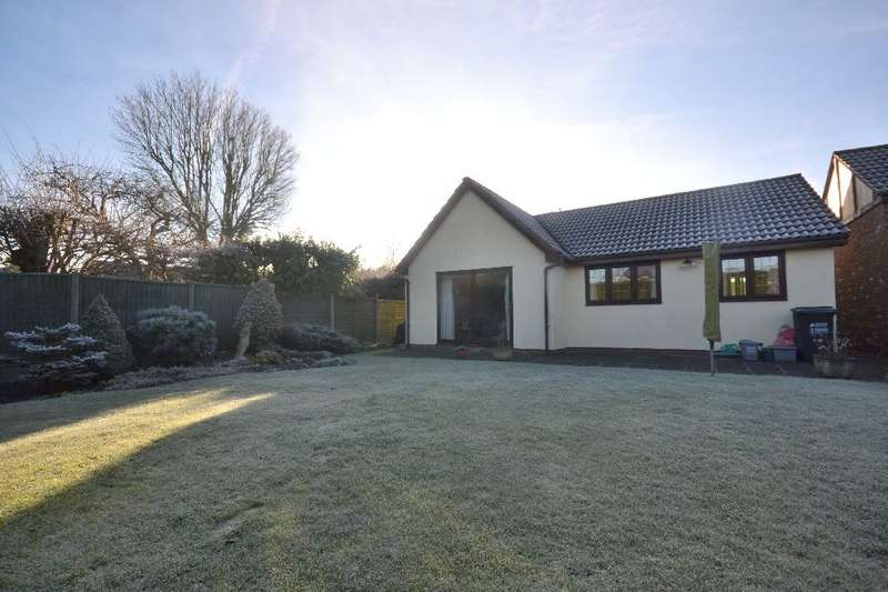 3 Bedrooms Detached Bungalow for sale in Tudor Manor Gardens, Garston, Watford