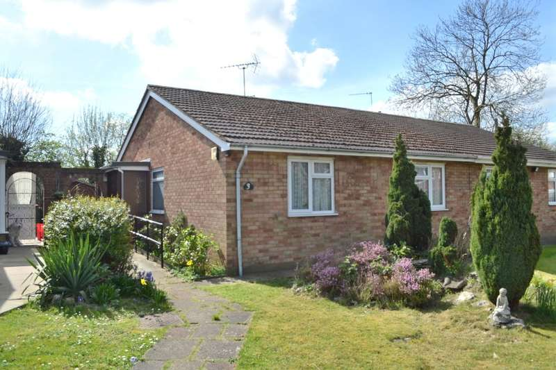2 Bedrooms Detached Bungalow for sale in Milner Close, Watford