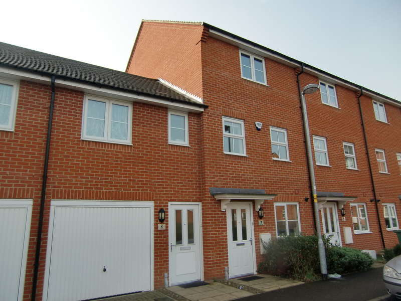 4 Bedrooms Town House for sale in Dodd Road, North Watford
