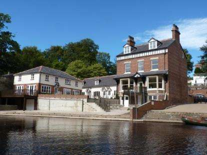 2 Bedrooms Flat for sale in Apartment 2, 2 Waterside, Knaresborough, North Yorkshire