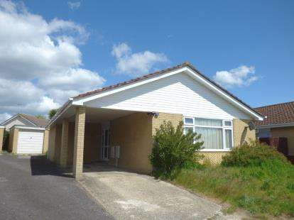 3 Bedrooms Bungalow for sale in West Canford Heath, Poole, Dorset