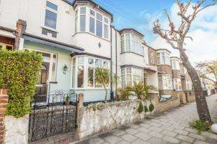 3 Bedrooms Terraced House for sale in Allen Road, Beckenham, Kent