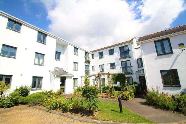 2 Bedrooms Flat for sale in Highbridge Court, 96-100 Ridgeway, Plymouth, Devon
