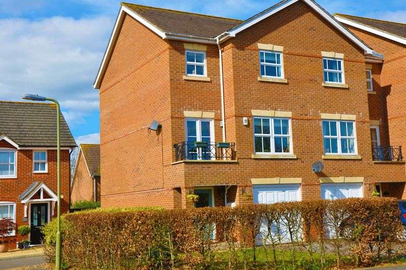4 Bedrooms Semi Detached House for sale in Topaz Drive, Andover