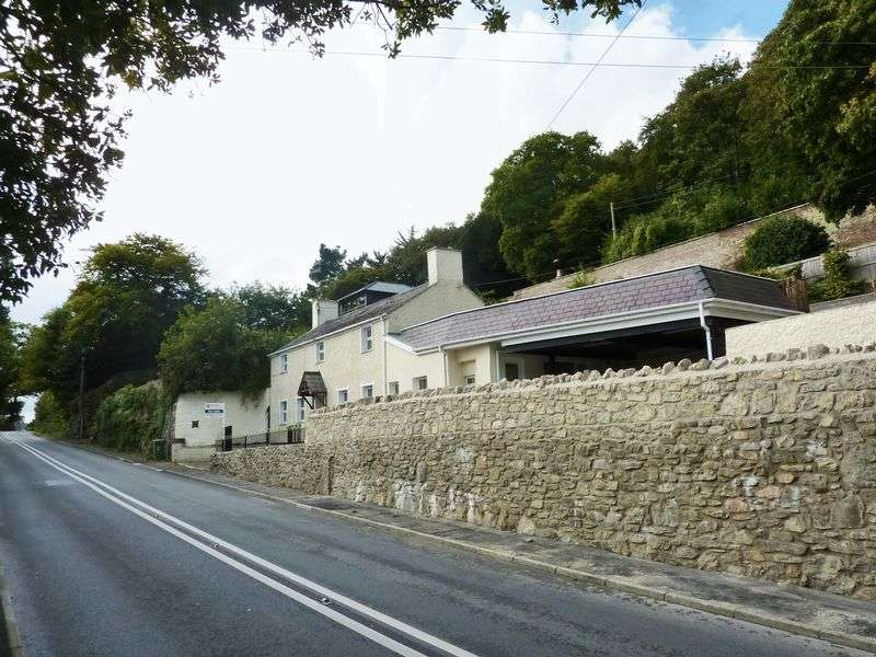 3 Bedrooms Property for sale in Glyn garth, Menai Bridge