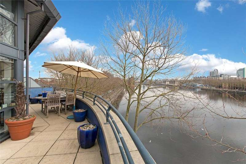 2 Bedrooms Flat for sale in Lock Keepers Heights, 117 Brunswick Quay, London, SE16