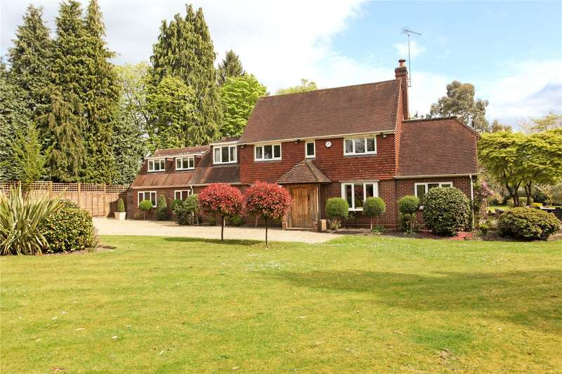 5 Bedrooms Detached House for sale in Shrubbs Hill, Chobham, Surrey, GU24